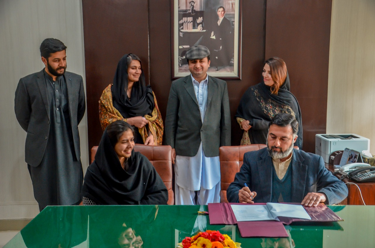 MOU Signing ceremony with Khwateen Rozgar